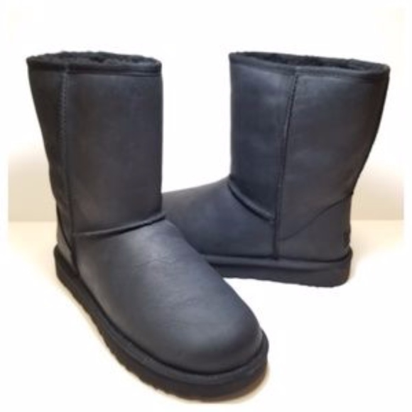fa1fdf7100b Ugg Australia Leather Classic Short Black Boots